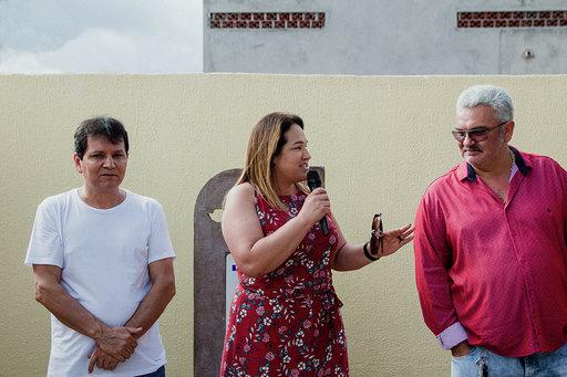 Antônio João:Prefeita Márcia Marques inaugura quadra e parabeniza trabalhadores