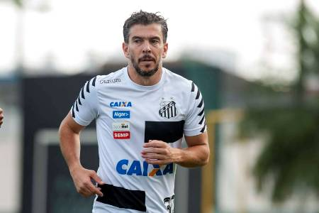 Leandro Donizete pode voltar ao Santos em agosto