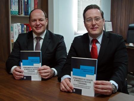 Advogados lançam livro inédito sobre cassações de mandato