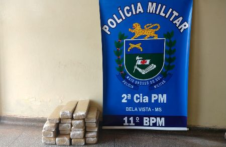 Polícia Militar apreende adolescente infratora por Tráfico de Drogas durante abordagem a ônibus, em Bela Vista