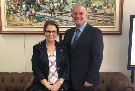Prefeito Manoel Vias busca recursos federais com Ministra Tereza Cristina