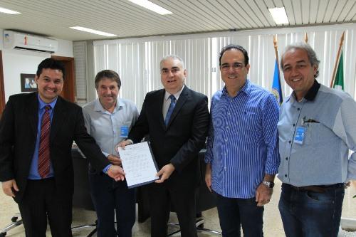 Rodrigo Arruda pede implantação de Serventia de Registro de Imóveis